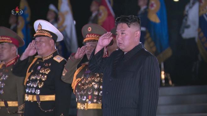 북한 김정은, 정전협정 68주년 맞아 6·25 전사자묘 참배