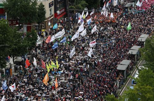 민주노총, 대규모 집회 강행