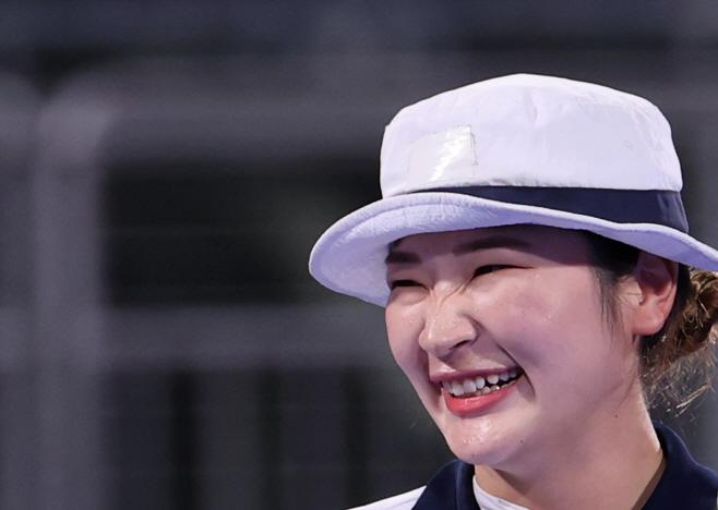 [올림픽] 환하게 웃는 강채영<YONHAP NO-4686>