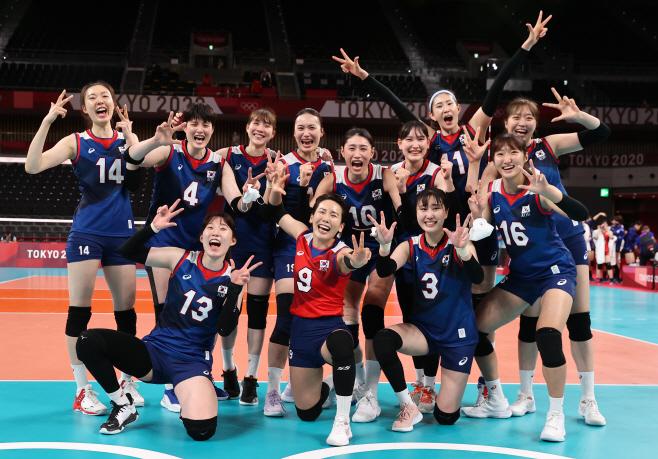 [올림픽] 여자배구, 이제 8강 이다!<YONHAP NO-4452>