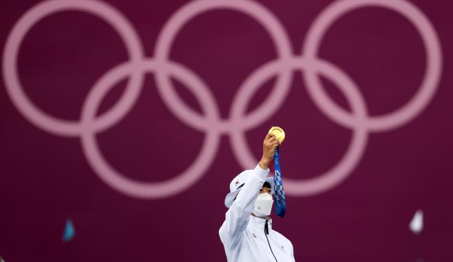 [올림픽] 또 금메달 들어올린 안산