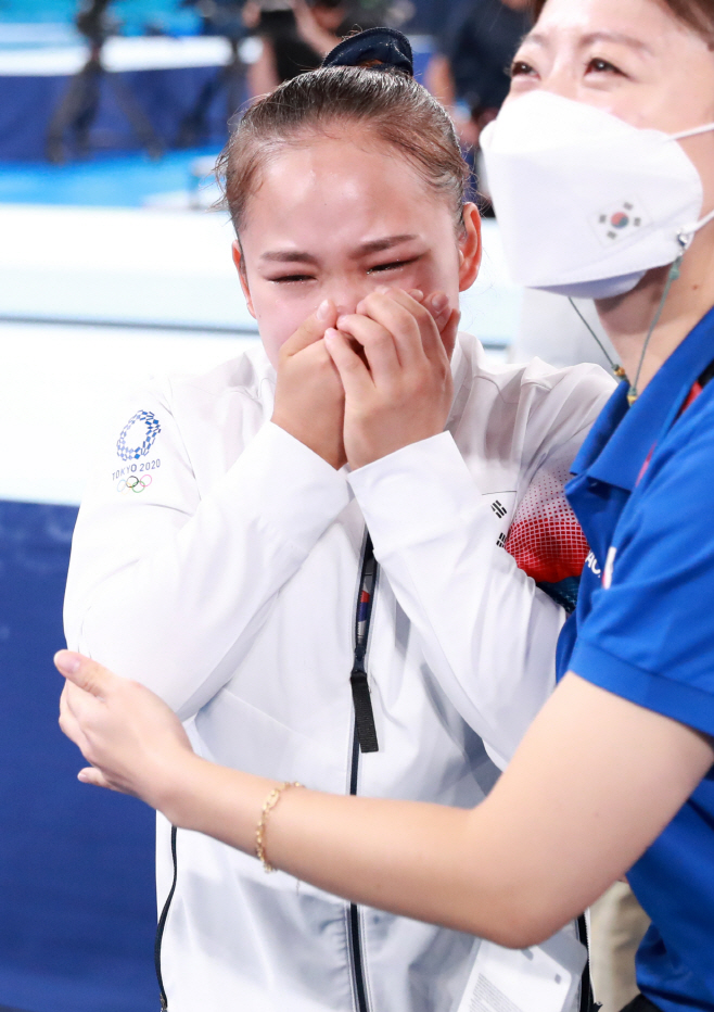 [올림픽] 여서정 동메달 감동<YONHAP NO-2880>