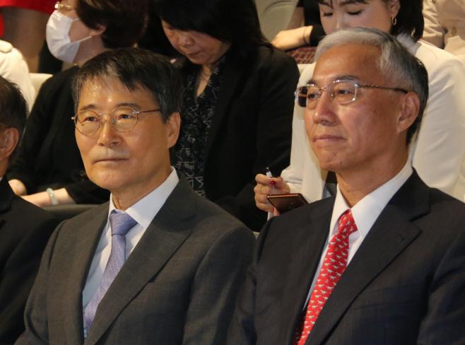 '한중수묵교류전' 개막식 참석한 장하성 대사와 추궈홍 전 주한 중국대사
