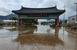 [포토]물난리난 전남 구례 관문...물빠지며 진흙탕 범벅