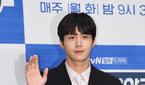 사생활 논란 번진 김선호, 결국 '갯마을 차차차' 인터뷰..