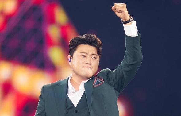 김호중, 활기 넘치는 무대!