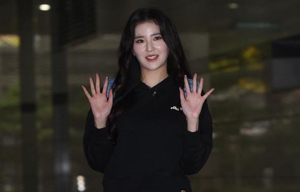 가수 김해리, '완벽한 각선미'