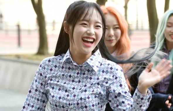 이달의소녀 츄, 호탕한 웃음과 함께~