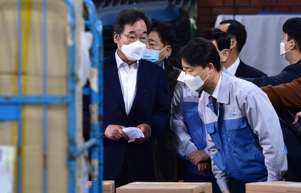 이낙연 대표 '택배노동자 근로실태 점검'