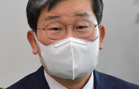 신임 행안부 장관에 내정된 전해철 위원장