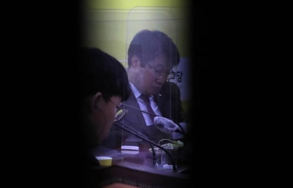 정의당, 김종철 대표 '성추행 의혹' 비공개  대표단회의