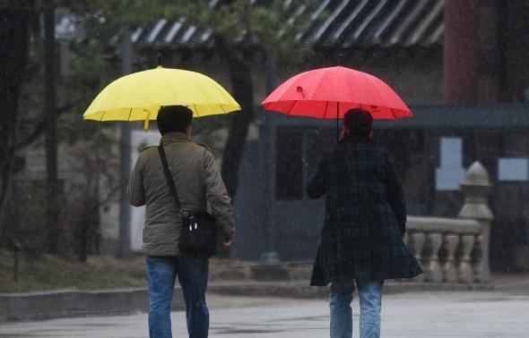봄비와 예쁜우산