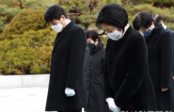 민주당 박영선 서울시장 후보 현충원 참배