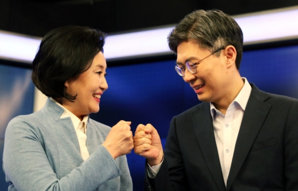 손 맞댄 박영선-조정훈