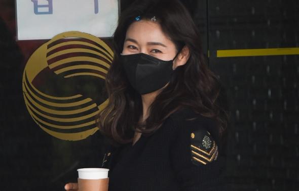 박탐희, '미소'