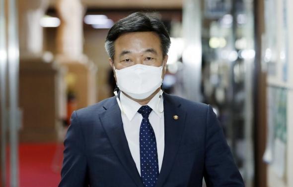 윤호중, 부동산특위 간담회 참석