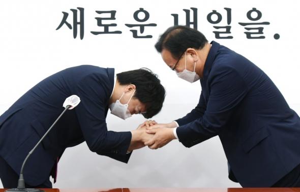 이준석 대표 찾은 김부겸 총리
